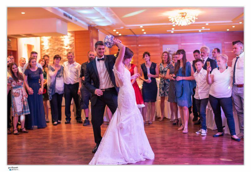 Perlmutt_Pictures_Hochzeitsfotograf_Kaernten_Reportage_Sabrina_und_Gilbert_32