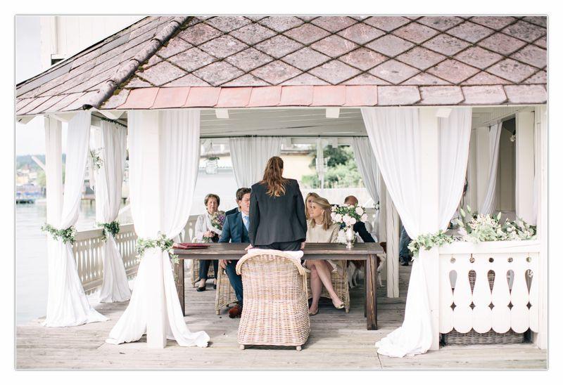 Standesamtliche Hochzeit Ute und Thomas im Seeschlössl Velden von Perlmutt Pictures, Ringe, Freude